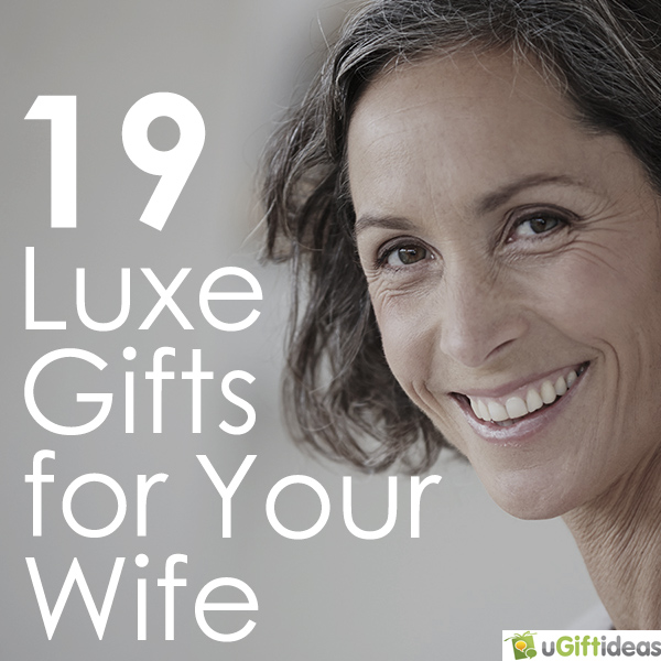 19 Luxe Christmas Gift Ideas for Your Wife #giftguide