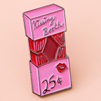 kissing booth pin